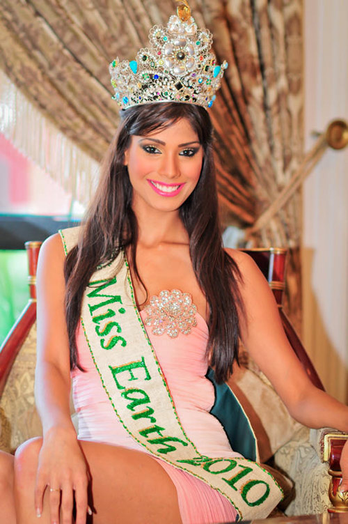 Nicole Faria - Miss Earth 2010